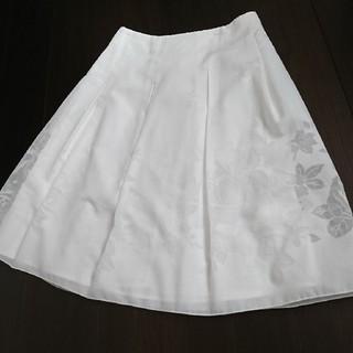 L'EST ROSE - L'EST ROSE 透かし薔薇柄白スカート