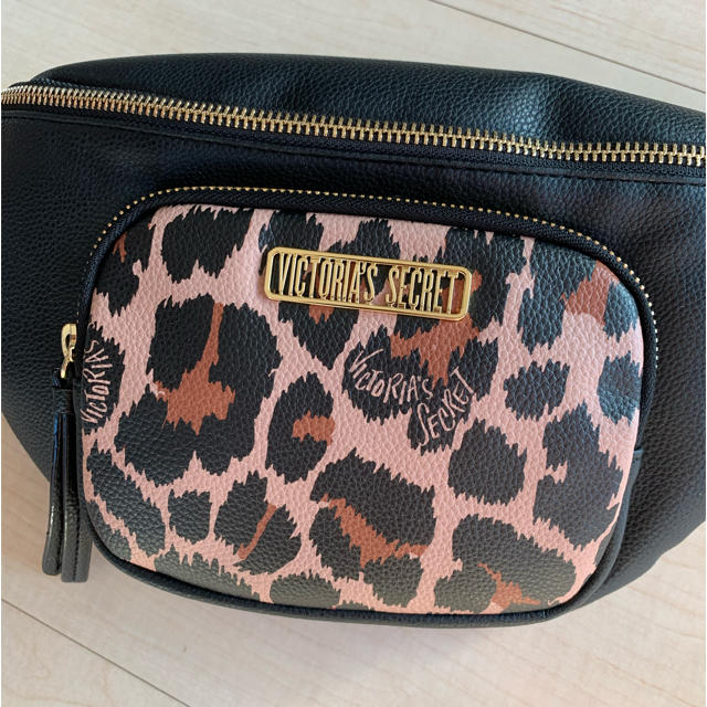 Victoria's Secret(ヴィクトリアズシークレット)のVictoria's Secret ウエストポーチ レディースのバッグ(ボディバッグ/ウエストポーチ)の商品写真