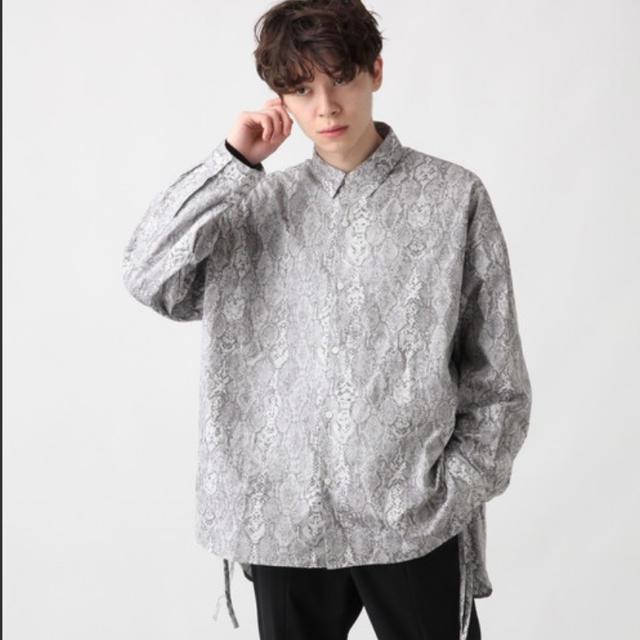 HARE(ハレ)のパイソン柄シャツ メンズのトップス(シャツ)の商品写真