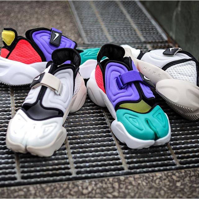 NIKE(ナイキ)のエア アクア リフト  24.5 レディースの靴/シューズ(スニーカー)の商品写真