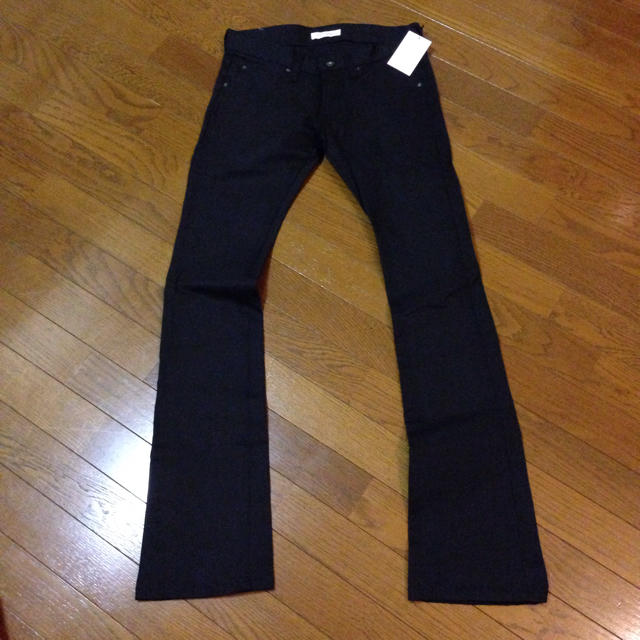 DISCOVERED(ディスカバード)のdiscovered ブラックパンツ メンズのパンツ(デニム/ジーンズ)の商品写真