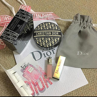 クリスチャンディオール(Christian Dior)の🎁ディオール 限定 ロゴマニア クッションファンデ 2N マキシマイザー付き(ファンデーション)