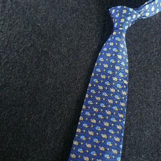 サルヴァトーレフェラガモ(Salvatore Ferragamo)の美カラー【Ferragamo-Blue】最高級ネクタイ フェラガモ fgm184(ネクタイ)