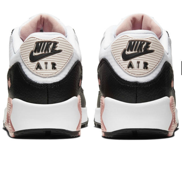 NIKE(ナイキ)の即購入禁止新品箱付NIKEAIRMAX90ナイキエアマックス23.5cm23対象 レディースの靴/シューズ(スニーカー)の商品写真