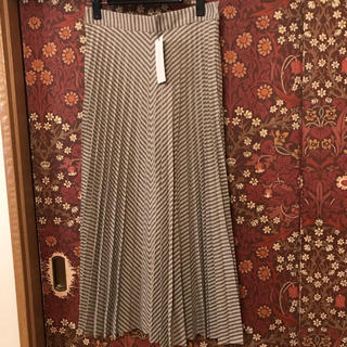 ザラ(ZARA)の【ZARA】ヘリンボーン柄プリーツスカート Sサイズ(ひざ丈スカート)