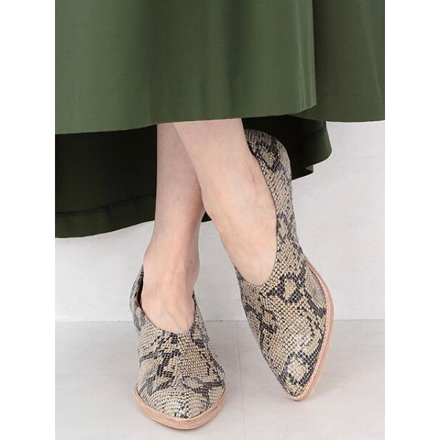 TOMORROWLAND(トゥモローランド)の◆未使用◆ RBS スネーク パイソン ミドルヒール パンプス 38 24cm レディースの靴/シューズ(ハイヒール/パンプス)の商品写真