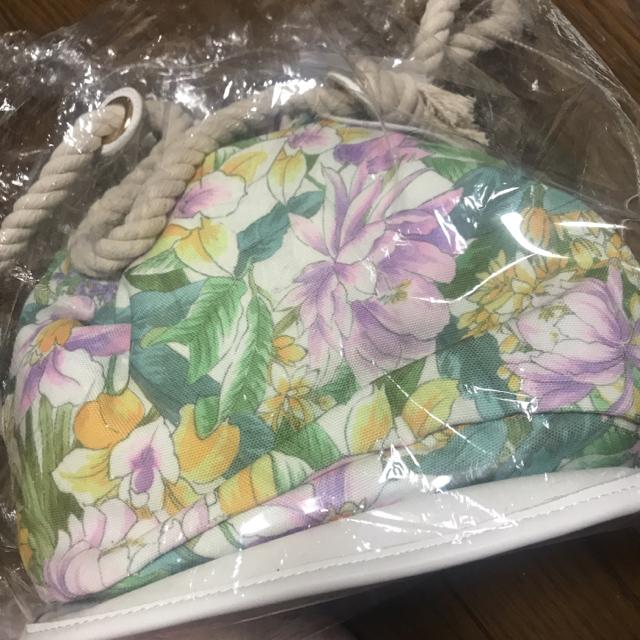 rienda(リエンダ)のrienda❤︎ FlowerクリアビーチBAG レディースのバッグ(トートバッグ)の商品写真