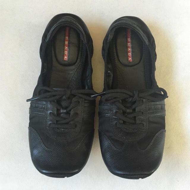 PRADA(プラダ)のプラダ バレエシューズ 黒 レディースの靴/シューズ(バレエシューズ)の商品写真