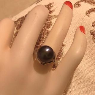素敵な大粒本真珠のボリューム感で楽しめます♪珍しい天然ブラックパール指輪(リング(指輪))