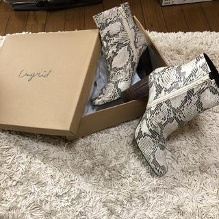 Ungrid - 未使用‼︎アングリッド パイソン柄 ブーツ