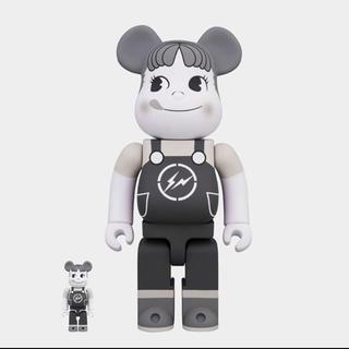 フジヤ(不二家)のMilky The Conveni Peko Bearbrick(アニメ/ゲーム)