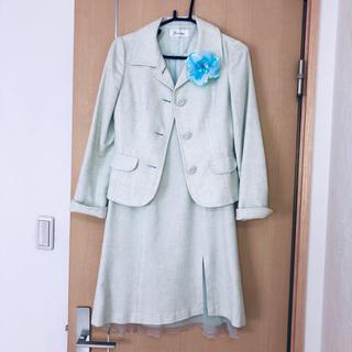 フェルゥ(Feroux)のフェルゥ☆スーツ【コサージュ付】(スーツ)