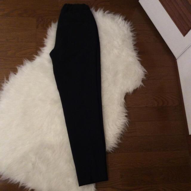 ZARA(ザラ)のザラ ブラックパンツ レディースのパンツ(クロップドパンツ)の商品写真