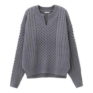 GU - GUケーブルキーネックセーター