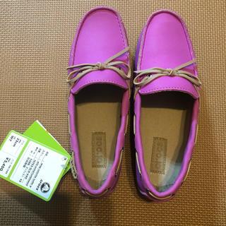 クロックス(crocs)のクロックス 23㎝(ローファー/革靴)