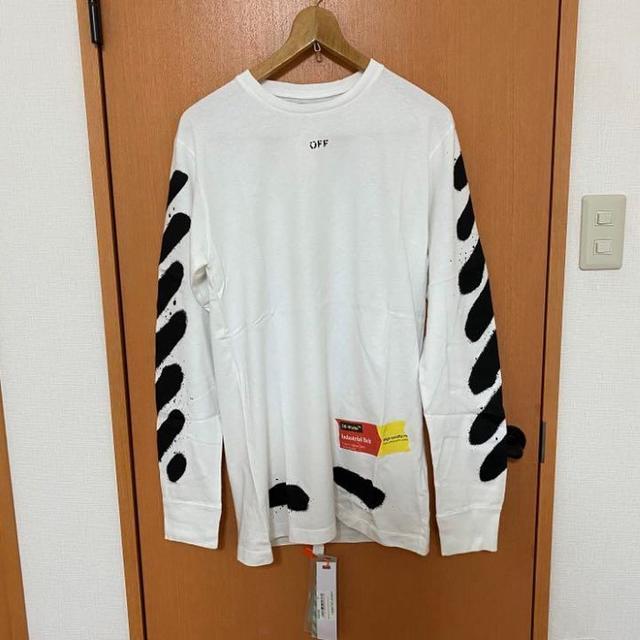 OFF-WHITE(オフホワイト)のM 新品 海外限定レア★Off-White★スプレーペイント ロゴ 長袖Tシャツ メンズのトップス(Tシャツ/カットソー(七分/長袖))の商品写真