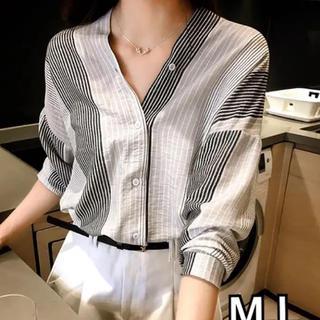 ZARA - 長袖ストライプデザインシャツ