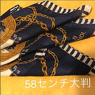 FENDI - 極美 フェンディ  ハンカチ スカーフ大判 gold chain elegant