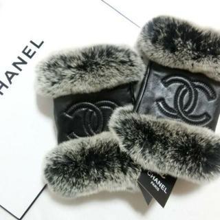 CHANEL - ★シャネル ふわふわリアルファーグローブ 羊革