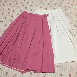 ニーナミュウ  タックスカート 2枚まとめ売り ピンク 白