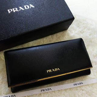 PRADA - 【お値打ち】PRADAプラダ2つ折り長財布