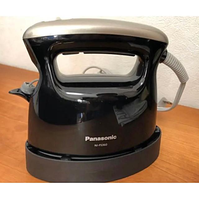 Panasonic(パナソニック)のパナソニック 衣類スチーマー NI-FS360 スマホ/家電/カメラの生活家電(アイロン)の商品写真