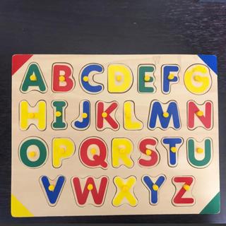 トイザらス - アルファベット木製パズル 知育玩具 幼児用 幼児