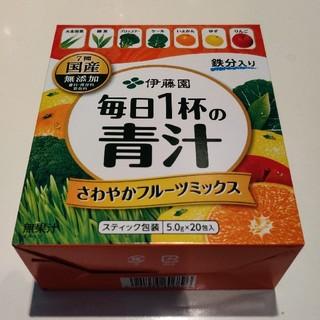 イトウエン(伊藤園)の伊藤園 フルーツ 青汁 【4月期限】(青汁/ケール加工食品)