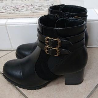 アクシーズファム(axes femme)のもえ様専用 アクシーズ ベルト付きショートブーツ Sサイズ(ブーツ)