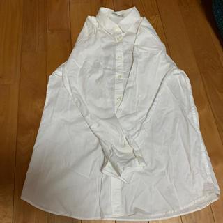 白 シャツ