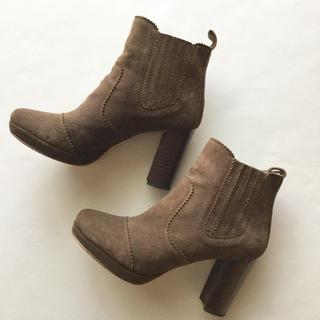 トゥモローランド(TOMORROWLAND)の美品 定価2万*Sarah Pinkman NY スエードレザーショートブーツ(ブーツ)