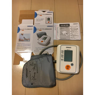 オムロンデジタル自動血圧計 HEM-7111