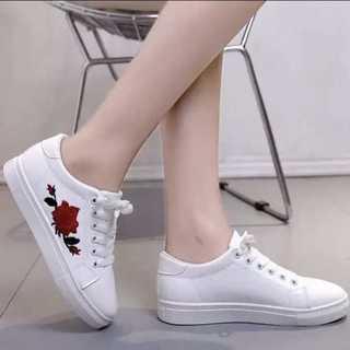 ホワイト スニーカー 白 バラ レディース 靴 かわいい 23.5 シューズ(スニーカー)