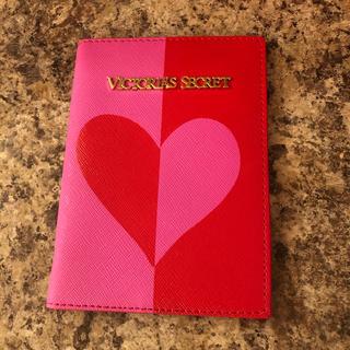 ヴィクトリアズシークレット(Victoria's Secret)のvictoria's secret パスポートケース(モバイルケース/カバー)