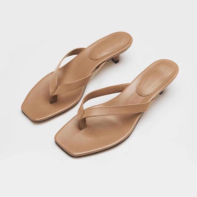 BARNEYS NEW YORK(バーニーズニューヨーク)のレザーサンダル レディースの靴/シューズ(サンダル)の商品写真