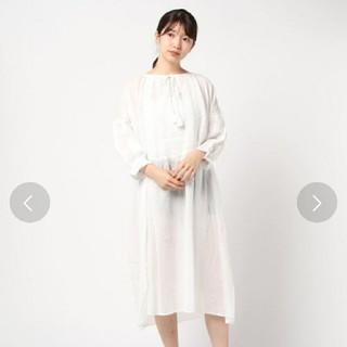 サマンサモスモス(SM2)の《新品・未使用・タグ付き》今季 サマンサモスモス 刺繍 ワンピース(ロングワンピース/マキシワンピース)