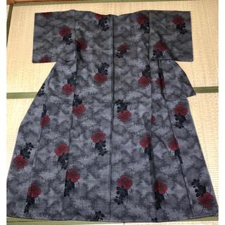 大島紬 新品未使用 高級 黒と渋めの赤 送料込み