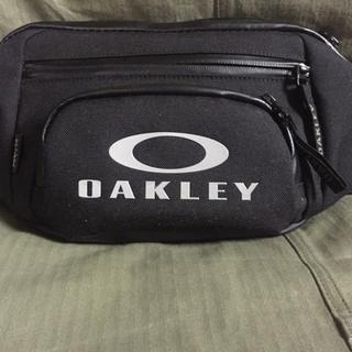 Oakley - OAKLEY ボディーバッグ  美品