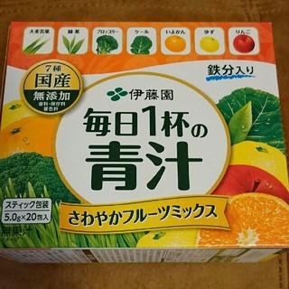 イトウエン(伊藤園)の【じゅんちゃんマン様専用】伊藤園 青汁 40包(青汁/ケール加工食品)