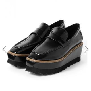 グレイル(GRL)のスクエアトゥシャークソール厚底ローファー(ローファー/革靴)