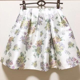 チェリーアン(cherry Ann)のチェリーアン 光沢花柄フレアースカート(ひざ丈スカート)
