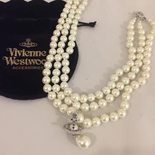 Vivienne Westwood - ヴィヴィアン ウエストウッド 三連パールネックレス