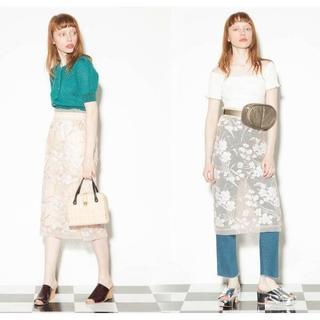 リリーブラウン(Lily Brown)の春先に★リリーブラウン フラワー刺繍チュールタイトスカート ピンク(ひざ丈スカート)