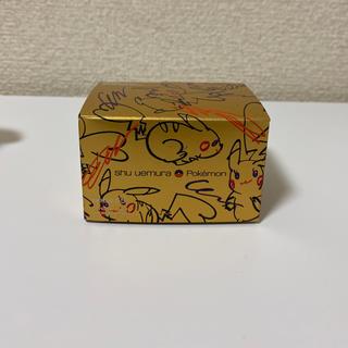 シュウウエムラ(shu uemura)のピカチュウ ポケモン コラボペタル55ファンデーションブラシ(チーク/フェイスブラシ)