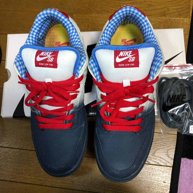 NIKE(ナイキ)のNIKESB DUNK LOW PRO Dorothy ドロシー メンズの靴/シューズ(スニーカー)の商品写真