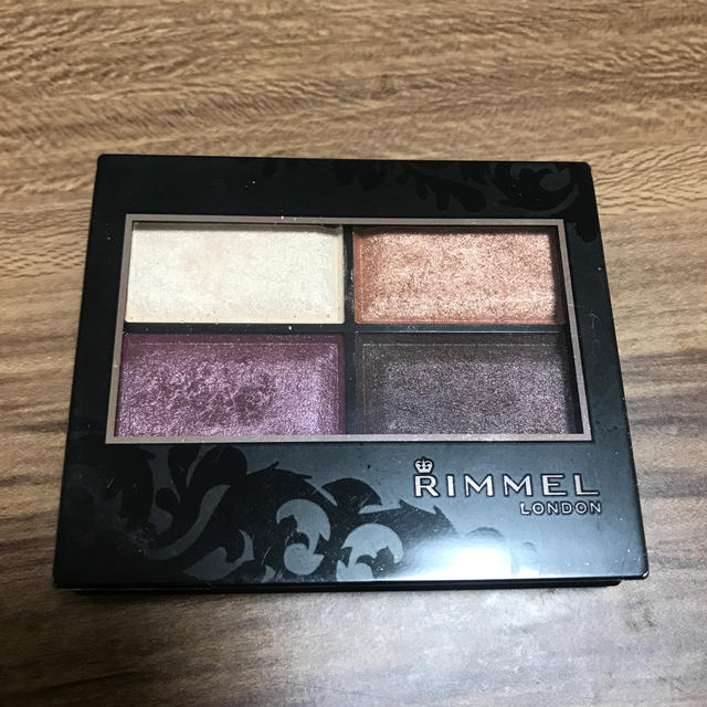RIMMEL(リンメル)のリンメル ロイヤルヴィンテージアイズ015 コスメ/美容のベースメイク/化粧品(アイシャドウ)の商品写真