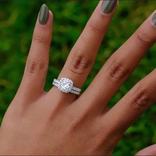 ハリーウィンストン(HARRY WINSTON)の【高品質】レディース czダイヤモンド デザイン リング 2本セット(リング(指輪))