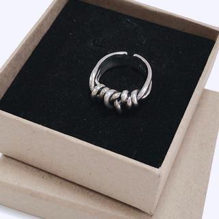 ロキエ(Lochie)のmou 変形結びリング シルバー S925 12〜13号 リング アクセサリー(リング(指輪))