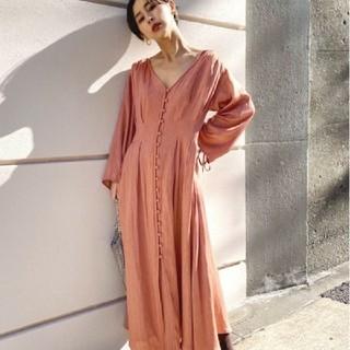 Ameri VINTAGE - 【新品未使用】TUCK SHAPE DRESS コーラル アメリ