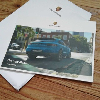 ポルシェ(Porsche)のニューマカン カタログ ポルシェ(その他)